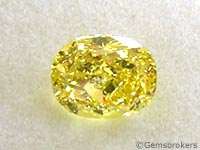 Diamante amarillo tallado en óvalo