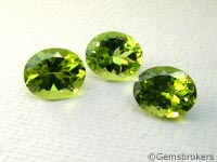 Oval cut peridots
